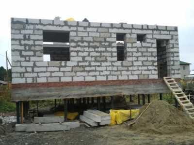 Свайный фундамент под дом из газобетона