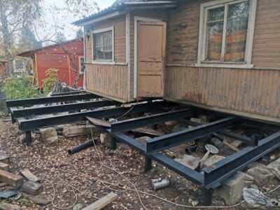 Свайный фундамент под старый дом