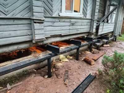 Замена нижних венцов в деревянном доме