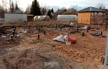 Завинчивание винтовых свай 108*2500*4 мм в поселке Новый Учхоз