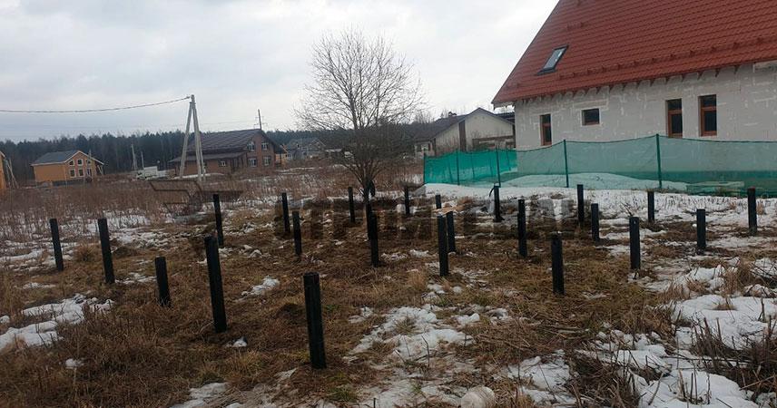 Установка винтовых свай 108 мм под дом из бруса в поселке Прилесный-2