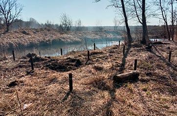 Монтаж винтовых свай 89*3000 мм на ранчо в поселке Суйда
