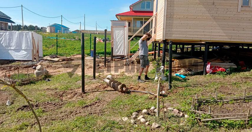 Установка свайно-винтового фундамента под веранду в поселке Грузино Парк