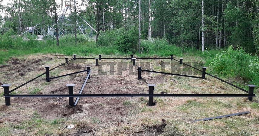 Монтаж винтовых свай 108 мм под дом в поселке Малиновка