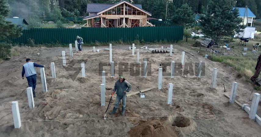 Установка фундамента на железно-бетонных сваях под дом в поселке Рощинский хутор